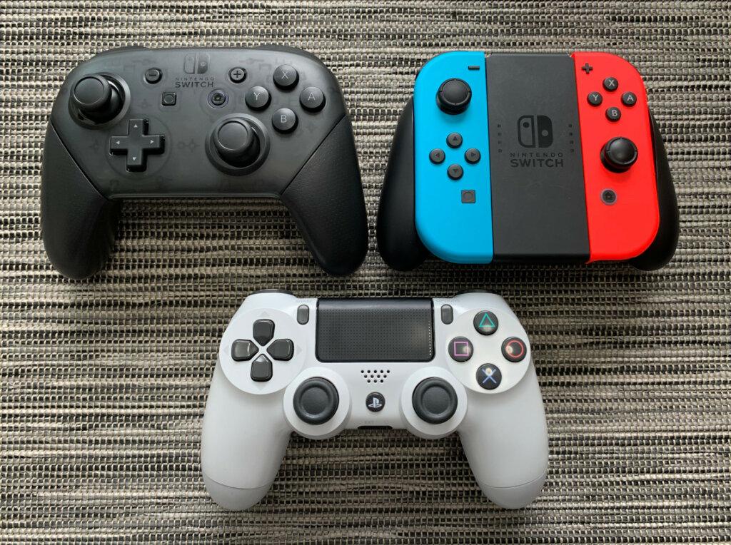 Switch Pro Controller, Joy-Con-ohjaimet ja PS4 DualShock 4 -ohjain